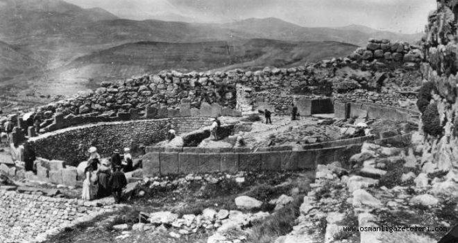 İstanköy'de Romalılara ait tiyatro ve tapınak bulundu