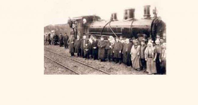 Kütahya'ya giden Bosna muhacirleri İzmir Valiliği tarafından ağırlandı