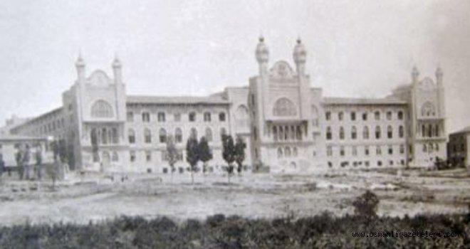 Mekteb-i Tıbbıyenin arkasına yapılacak olan seririyat hastahanesinin temel atma töreni yapıldı